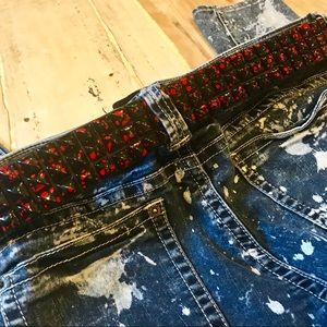 ⚡️4/$25 Black & red studded belt-sz 32